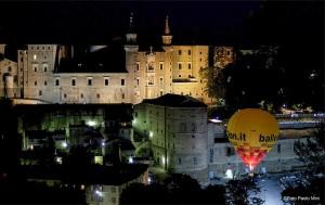 Mongolfiera su Urbino