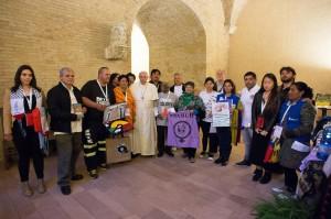 La foto di Papa Francesco scattata al termine dell'incontro con i rappresentanti dei Movimenti Popolari (tratta da www.vatican.va)