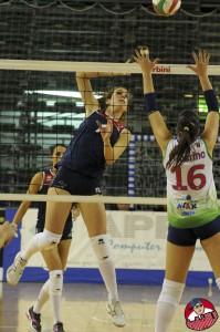 Un attacco di Sofia Spadoni nel derby con Pagliare (Foto Danilo Billi)
