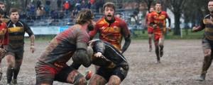Battisti (Pesaro rugby) palla in mano