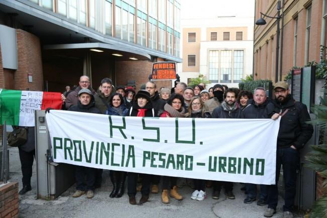 I dipendenti della Provincia di Pesaro e Urbino