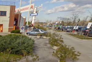 L'ingresso dell'Auchan di Fano