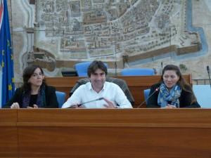 Franca Gambini (Accademia agraria), l'assessore comunale Andrea Biancani e Donatella Giuliani, preside dell'istituto Cecchi