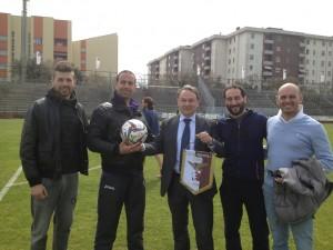 i dirigenti della Passepartout insieme a patron gabellini al centro della foto