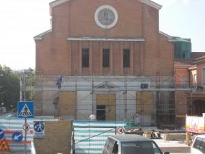 Lavori in corso Vallefoglia cantiere chiesa Montecchio