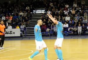 Italservice PesaroFano: Babic e Tonidandel esultano dopo un gol