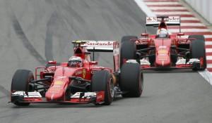 Raikkonen e Vettel in lotta (foto tratta dal web)