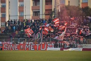 La tifoseria vissina al Mancini nel derby d'andata
