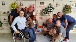 Michele Ferri con gli amici di Andrea