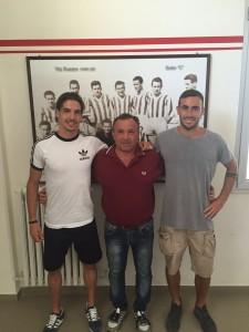 Da sinistra Mattia Gennari, il team manager Maurizio Del Bene e Nicola Del Pivo