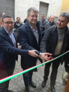L'inaugurazione della nuova sede pesarese di Fratelli d'Italia