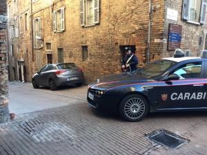 Carabinieri di Urbino nel corso delle operazioni