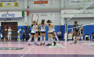 Volley Pesaro esulta a Chieri