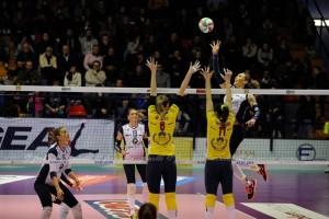 Un attacco di Tifanny nell'esordio vincente nel campionato italiano di serie A2 (dalla pagina Facebook della Golem Software Palmi)