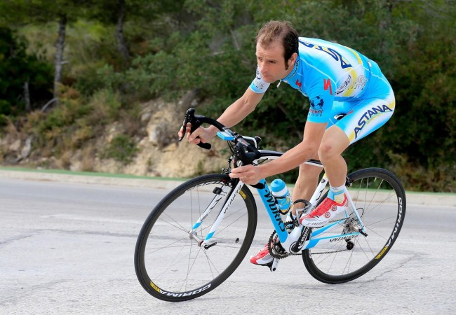 Ciao Michele, vogliamo ricordarti così, pedalando e con la tua bella maglia (dalla pagina Facebook del grande ciclista di Filottrano)