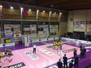 La partita è appena finita, esultano le ragazze della Delta Informatica Trentino che si candidano a sfidare la myCicero Pesaro
