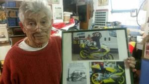 Guido Mancini e la foto ricordo del primo test di Morbidelli sulla GP125