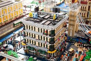 City Lego al Centro Arti Visive Pescheria (Foto Giulia Fedel)