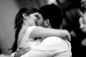 Bacio fra trentenni