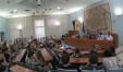 La sala del consiglio comunale gremita