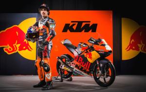Niccolò Antonelli con la Ktm Red Bull