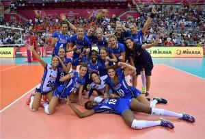 La foto delle azzurre dopo la grande vittoria in semifinale (Foto Fivb)