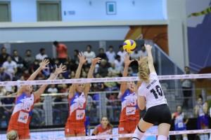 Un attacco di Lise Van Hecke contro la Serbia (foto Cev)