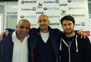 Oscar Brevi (al centro). A sinistra Strano, a destra Gissi