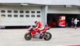 Casey Stoner in sella alla Ducati GP18 nei test di Sepang (foto tratta da Facebook)