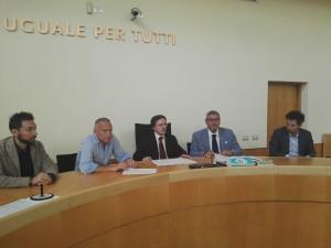 Da sinistra i giudici Lorenzo Pini, Davide Storti, presidente Tribunale Giuseppe Fanuli, presidente Odc Paolo Balestieri, giudice Emanuele Mosci