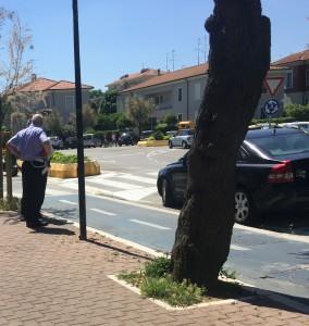 Vigili urbani multano auto in viale Trieste