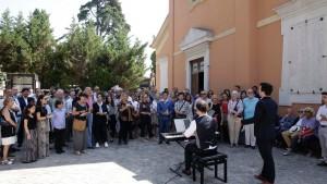 Xabier Anduaga esegue un brano dedicato a Zedda (Foto Amati Bacciardi)