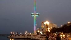 La torre panoramica di Bari che sarà spostata a Pesaro (Foto Fanelli tratta da Bari Today)