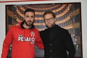 Il nuovo attaccante Marco Guidone con il direttore generale Vlado Borozan