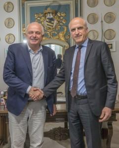 Il Prefetto Lapolla (a destra) incontra il sindaco di Urbino Gambini