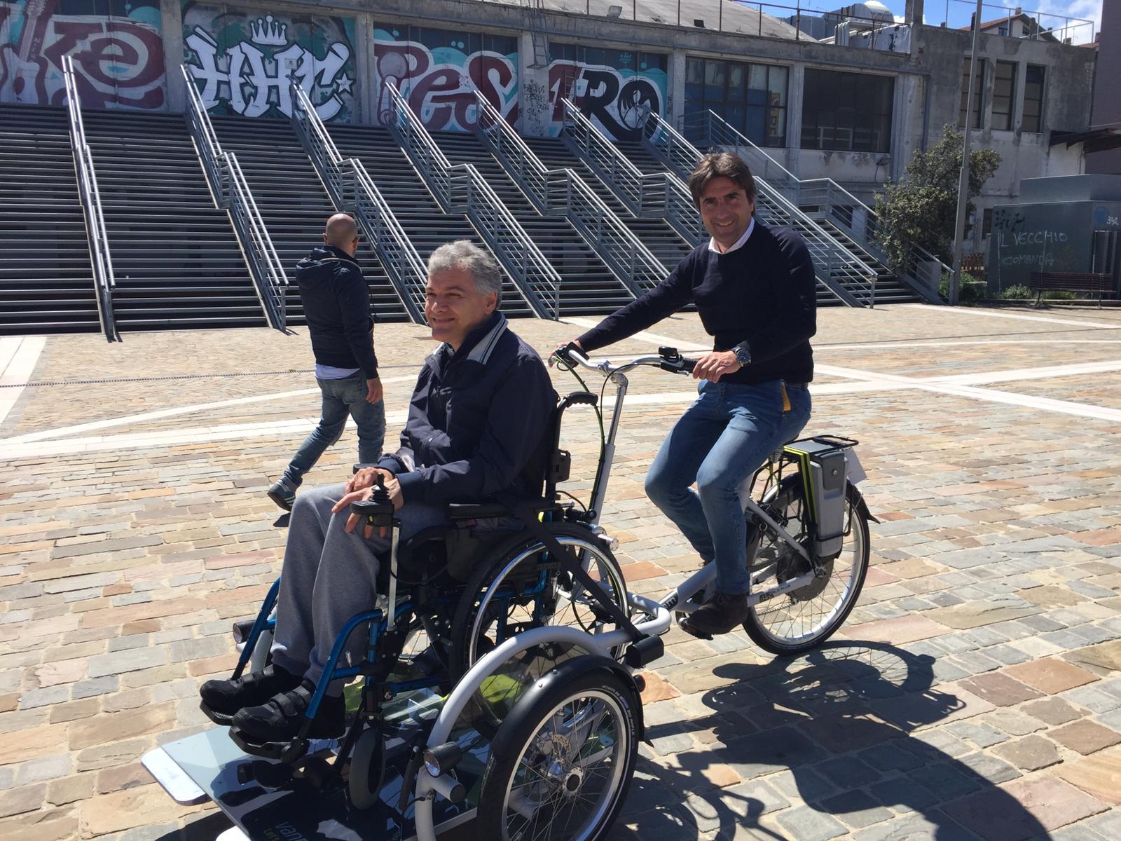 Al Curvone Cè Biciamica La Bici Per I Disabili In Carrozzina