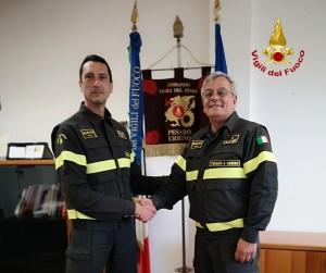Il passaggio di consegne tra Carlo Federico e Lorenzo Elia alla guida dei vigili del fuoco di Pesaro e Urbino