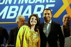 La candidata sindaco di Pesaro Francesca Frenquellucci (M5S) con il ministro Luigi Di Maio