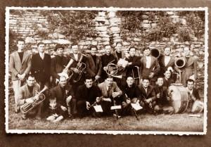 La banda in una foto storica del 1937-1938