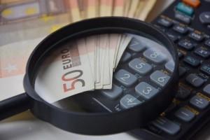liquidità soldi denaro conti tasse