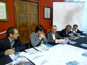 Tra gli altri il sindaco Ceriscioli, l'assessore Biancani alla presentazione della ciclabile fino al galoppatoio
