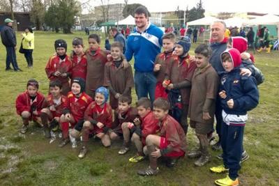 I giovani del Pesaro Rugby infangati e felici a Rovigo