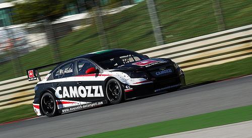 Gianni Morbidelli al volante del suo bolide