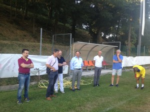 Il sindaco Massimo Seri nel ritiro dell'Alma Juventus Fano ad Apecchio