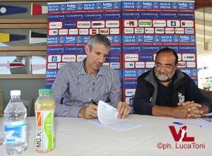 Ario Costa con Carlo Romeo, direttore di San Marino RTV (ph. Luca Toni)