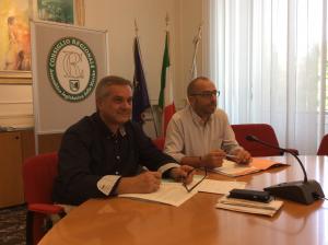 Da sinistra il vicepresidente del Consiglio Regionale Renato Claudio Minardi assieme al Presidente Antonio Mastrovincenzo