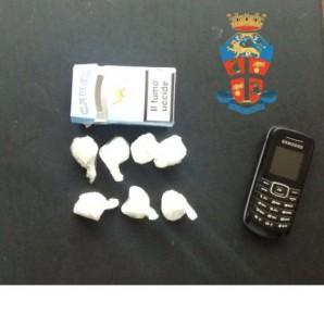 La cocaina e l'altro materiale sequestrato al calabrese