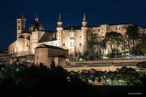 Urbino in notturna