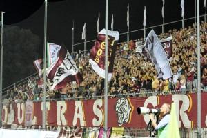 La curva dei Panthers, i tifosi granata dell'Alma Juventus Fano (foto Fano Sport 24)