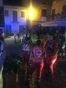 Vigili del fuoco a Fiorenzuola di Focara (foto tratta dalla pagina Fb di Enzo Belloni)